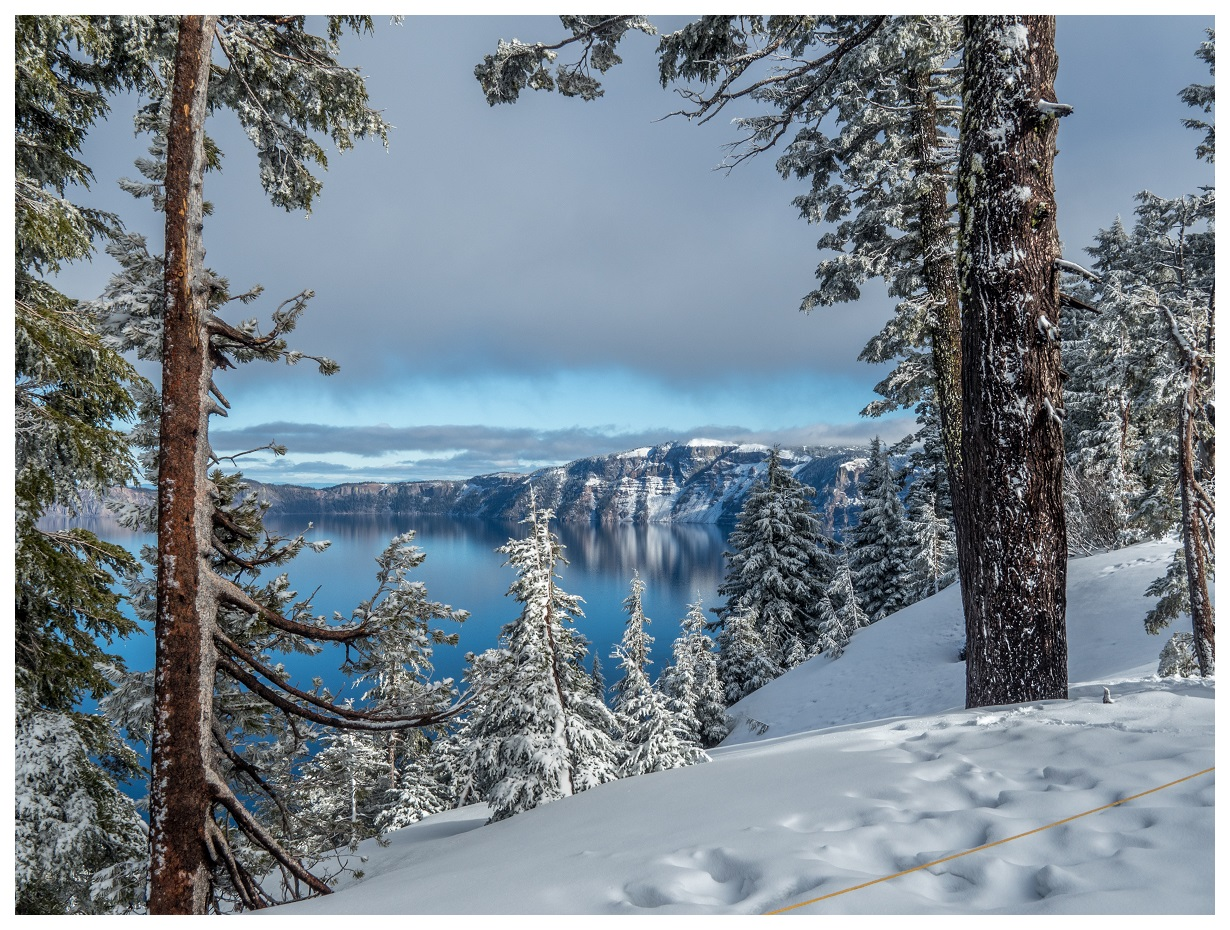 Crater Lake National Park by snowshoe