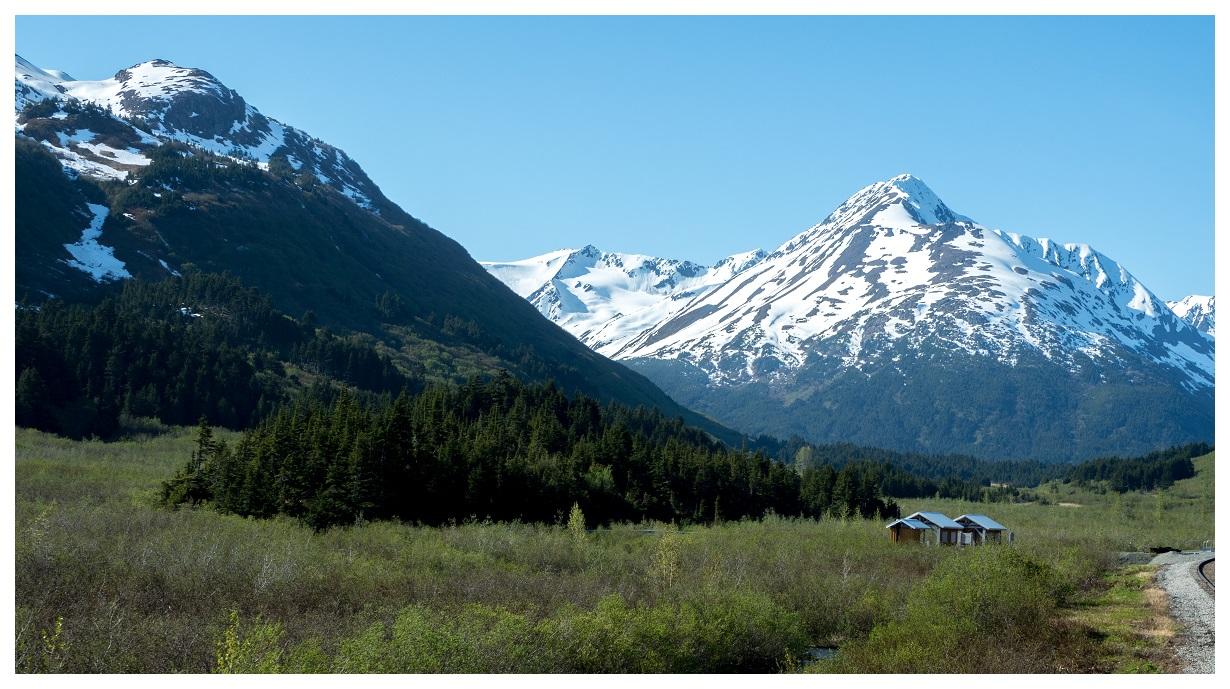 Spencer Glacier Whistle Stop Train Station